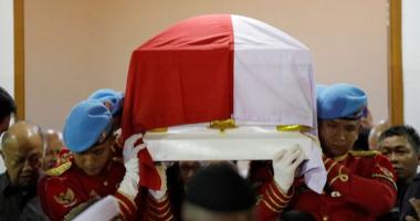 تشييع جنازة الرئيس الإندونيسى الأسبق يوسف حبيبى بمشاركة الرئيس الحالى