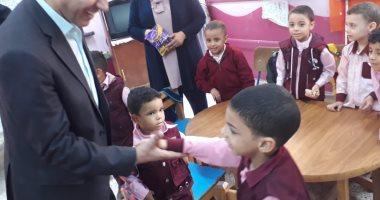 وكيل تعليم الفيوم يتابع مدارس شرق المحافظة فى ثانى أيام الدراسة
