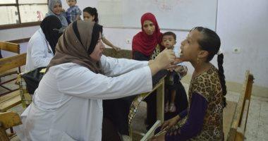 صور.. قافلة جامعة الأزهر تجرى الكشف على 2000 حالة بعزبة العرب فى مدينة نصر