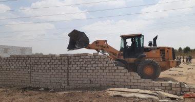 إزالة 39 حالة تعد على أراضى أملاك الدولة والزراعات شمال بنى سويف