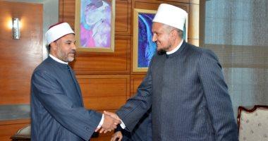 رئيس مجلس أئمة البرازيل ومفتى لبنان والبوسنة يشاركون بمؤتمر الأوقاف