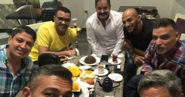 """حفلة شاى تجمع نجوم """"سينرجى"""" ياسر جلال وفتحى عبد الوهاب ومحمد رجب"""