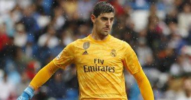 ريال مدريد يدرس بيع كورتوا فى الصيف لضم دوناروما