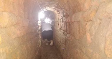 صور .. العثور على معبد بطلمى داخل منزل بسوهاج أثناء الحفر والتنقيب عن الآثار