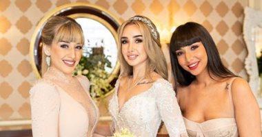 شاهد.. صور جديدة لـ هنا الزاهد مع شقيقاتها من كواليس حفل زفافها