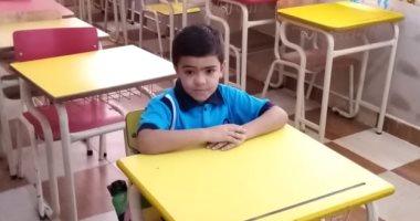 قارئ يشارك بصورة ابنه فى أول يوم مدرسة.. ويؤكد: عاوز يبقى ضابط