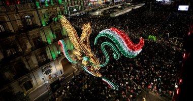 صور.. المكسيكيون يحتفلون بالذكرى 209 للاستقلال عن إسبانيا