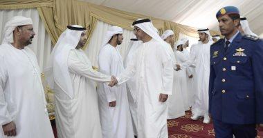 حامد بن زايد ومكتوم بن محمد بن راشد يقدمان واجب العزاء لأسر الشهداء