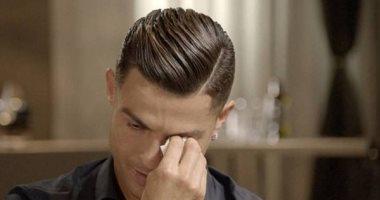 كريستيانو رونالدو يبكى بعد كلمات والده الراحل.. فيديو