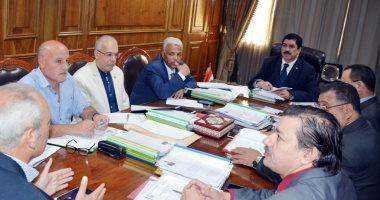 محافظ القليوبية يعقد اجتماعا لاختيار وظائف نائب رئيس مدينة من بين 104 متقدمين
