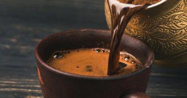 استهلاكنا للقهوة والشاي في كوب قابل لإعادة الاستخدام يقلل 65 رطلاً من ثاني أكسيد الكربون