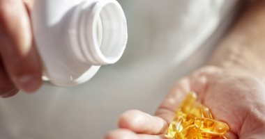 خبراء: تناول فيتامين D لن يقلل من خطر الوفاة بسبب فيروس كورونا