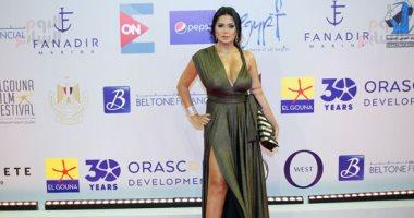 رانيا يوسف بفستان مثير على السجادة الحمراء فى افتتاح مهرجان الجونة