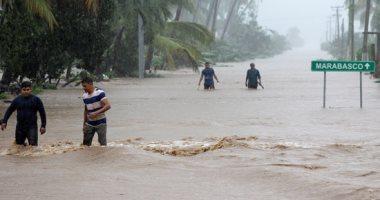 صور.. عاصفة لورينا تدمر المزارع والأشجار فى المكسيك