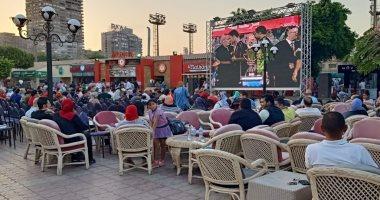 صور وفيديو.. شاشات عرض لأعضاء الاهلي في الجزيرة لمشاهدة السوبر