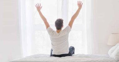 عكس المتوقع.. الاستيقاظ مبكراً يجعلك تشعر بالسعادة وفوائد أخرى