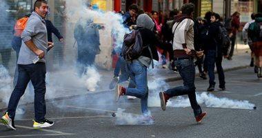 اعتقال أشخاص وغلق 30 محطة مترو وإلقاء مسيل للدموع فى مظاهرات السترات الصفراء بفرنسا