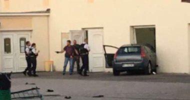 شخص بحوزته سلاح أبيض يقتحم بسيارته المسجد الكبير فى كولمار الفرنسية