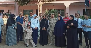 القوات المسلحة تصطحب أبناء الشهداء بالدقهلية فى أول أيام دراسة