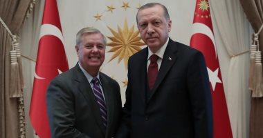 فيديو.. سناتور أمريكى: نحاول إعادة تركيا لبرنامج المقاتلة إف-35