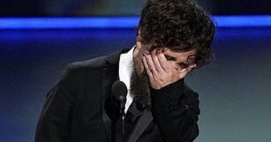 بيتر دينكلاج يبكى بعد تسلمه جائزة Emmy كأفضل ممثل مساعد Game Of Thrones
