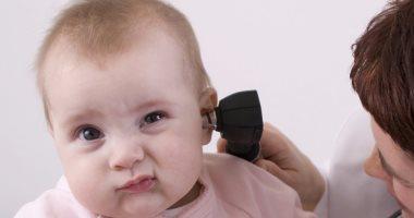 علامات تظهر على طفلك تشير إلى فقدان السمع.. تعرف عليها