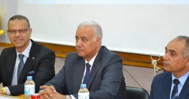 رئيس جامعة الإسكندرية: تطوير منشأت كلية الطب البيطرى بتكلفة 450 مليون جنيه