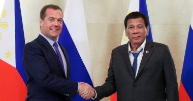 """رئيس الفلبين يظهر """"غير مرتب"""".. والمتحدث باسمه: رائحته """"منعشة"""""""