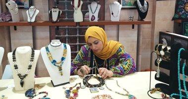 حكاية سارة تونسى خريجة كلية سياسة واقتصاد تتحول لمصممة حلى وأحجار كريمة