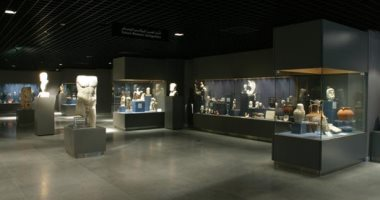استغلالاً لوقت الغلق.. ترميم القطع الأثرية فى متحف آثار مكتبة الإسكندرية