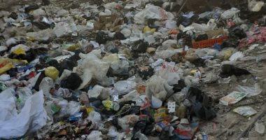 أهالى النهضة يشكون من تراكم القمامة بالشوارع