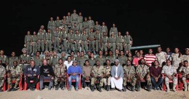 صور جديدة من كواليس الممر لـ أحمد عز وإياد نصار بعد عرضه