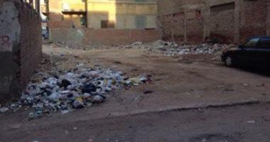 شكوى من استمرار تراكم القمامة فى شارع عمر بن الخطاب بكفر الزيات