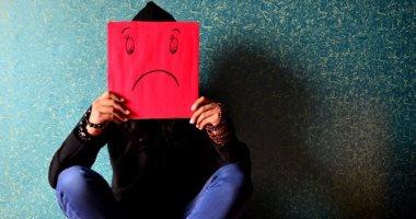 هل تسبب السوشيال ميديا الاكتئاب؟ 4 دراسات تجيب