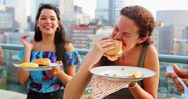 5 أسباب وراء شعورك الدائم بالجوع.. منها قلة النوم