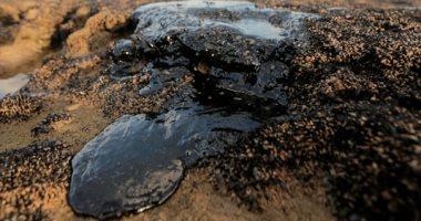 صور.. تسرب نفطى مجهول يضرب 130 شاطئا برازيليا