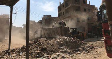 صور.. مجلس مدينة زفتى يشن حملات لرفع القمامة من شوارع المدينة