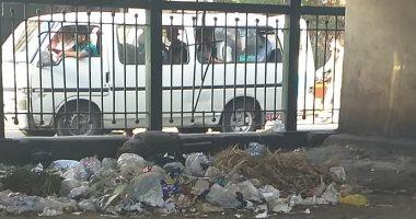 شكوى من انتشار القمامة بشارع الجيزة الرئيسى