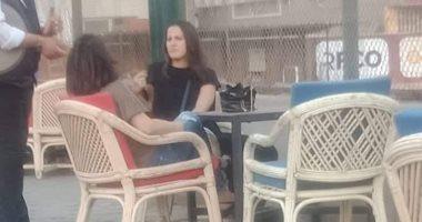 صورة .. زوجه فايلر تحضر مران الأهلي في التتش