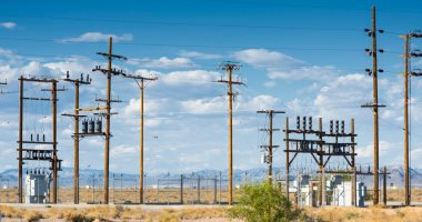 """""""الكهرباء"""" تناشد المواطنين الإبلاغ عن أى أعطال على رقم 121"""
