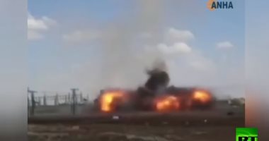 شاهد.. لحظة سقوط قذيفة صاروخية تركية بالقرب من مدنيين فى شمال سوريا