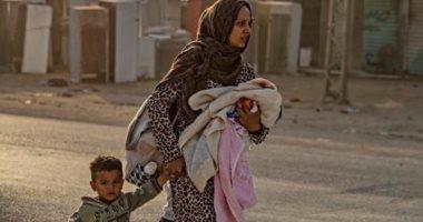 فرار المدنيين من سوريا والرعب يسيطر على الموقف بعد العدوان التركى.. صور