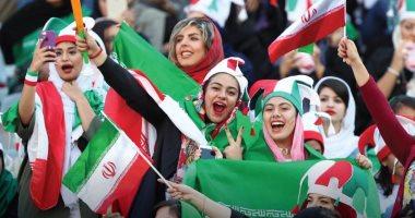 جميلات إيران يقتحمن ملاعب كرة القدم لأول مرة منذ 40 عاما