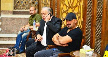 أحمد السقا وأشرف زكى أول الحاضرين لعزاء الراحل طلعت زكريا بالحامدية الشاذلية