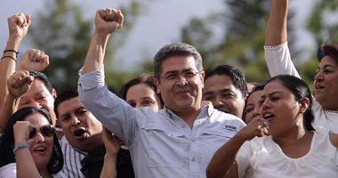 رئيس هندوراس خوان هرنانديز يحضر تجمع لمؤيديه فى بعد احتجاجات تطالب بتنحيه
