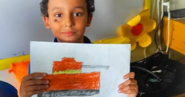 تلاميذ إحدى المدارس يعبرون عن حبهم لوطنهم برسومات عن حرب أكتوبر