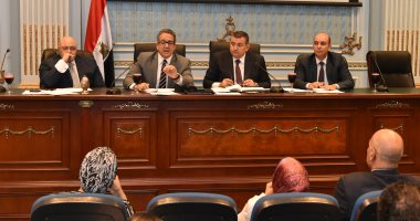 صور.. أسامة هيكل يطالب بتطوير المحاور المرورية المؤدية للمتحف الكبير قبل افتتاحه