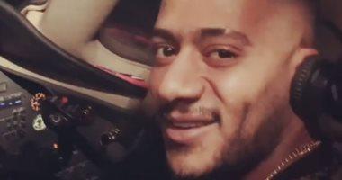 """الطيار الموقوف مدى الحياة: """"محمد رمضان خرب بيتى.. ولم يفى بوعده"""""""