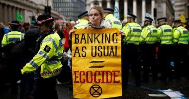 نشطاء المناخ يواصلون احتجاجاتهم فى العاصمة البريطانية لندن