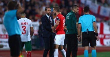 """بلغاريا ضد إنجلترا.. لاعبو الأسود الثلاثة يهددون بالانسحاب بسبب العنصرية """"صور"""""""